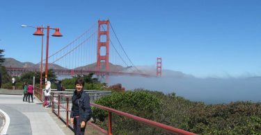 Il sogno americano. Antonietta Polcaro al Golden Gate di San Francisco.